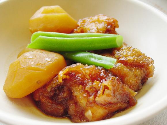 チキマロン(鶏唐揚げと栗の甘辛煮)