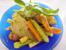 魚介と巨峰のジェノバ風サラダ