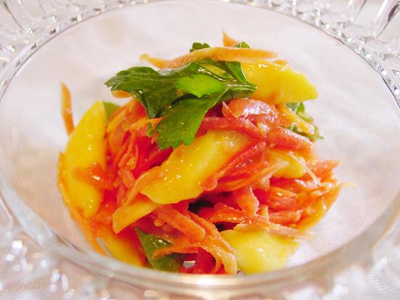 にんじんとマンゴーのサラダ