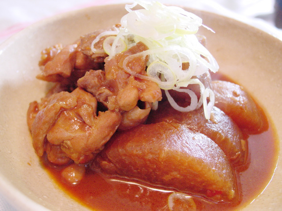 大根と鶏肉のピリ辛味噌煮込み
