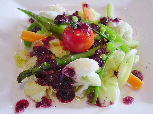 温野菜のサラダ~ブルーベリーソース~