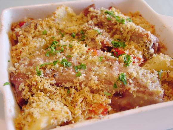 スペアリブとじゃが芋のオーブンパン粉焼き