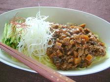 炸醤麺(ジャージャー麺)