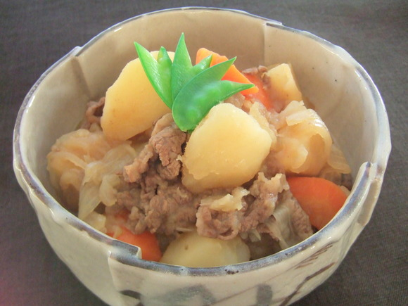 Nikujaga(Braised beef and potatoes)