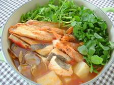 海鮮と香り野菜のトマト鍋