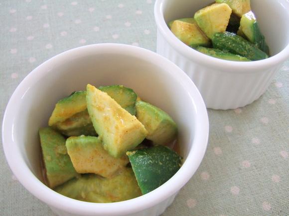 きゅうりとアボカドのサラダ カレー風味