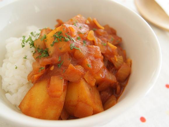 シンシア(じゃがいも)のトマトカレー