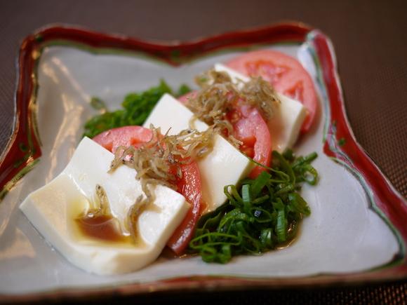 豆腐とトマトのじゃこサラダ