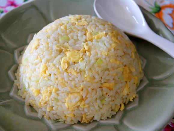 蛋花炒飯(卵チャーハン)