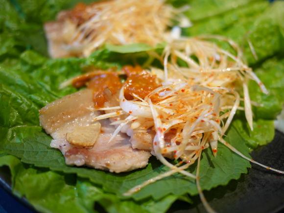 サムギョプサル(韓国風豚ばら肉の野菜包み)