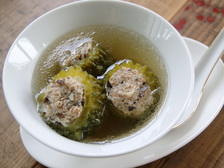 ゴーヤーの肉詰めスープ(ゲーンチュー マラ サイムーサップ)