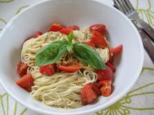 トマトの冷製パスタジェノベーゼ