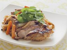 鶏肉のオレンジ煮 フォアローゼズとミント風味