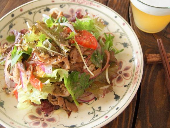 完熟トマトと焼肉のスタミナサラダ