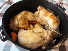 ダッチオーブンでつくるローストチキン