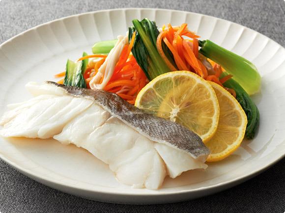 鱈と野菜のエスニックソース蒸し