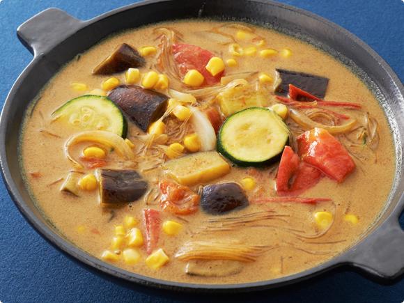 夏野菜と春雨のココナッツスープカレー