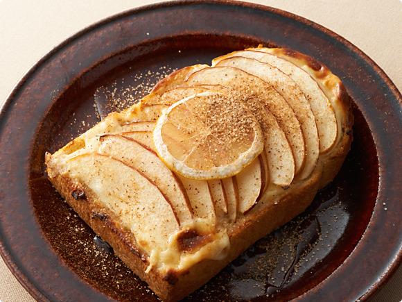 りんごとクリームチーズのトースト