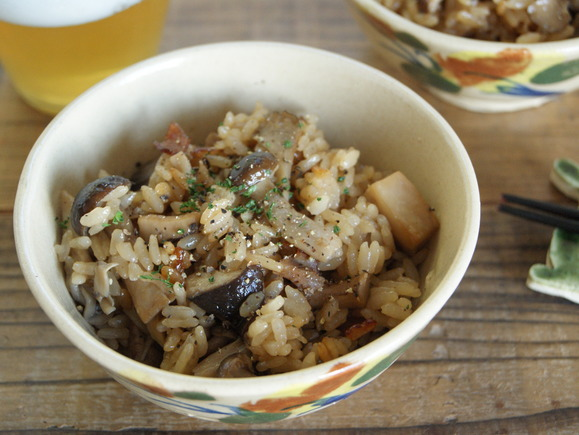 Rice seasoned and cooked with mushrooms